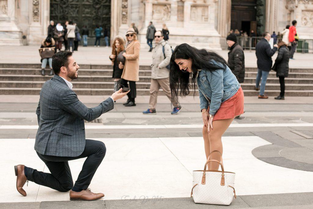 fotografo proposta di matrimonio a milano centro città