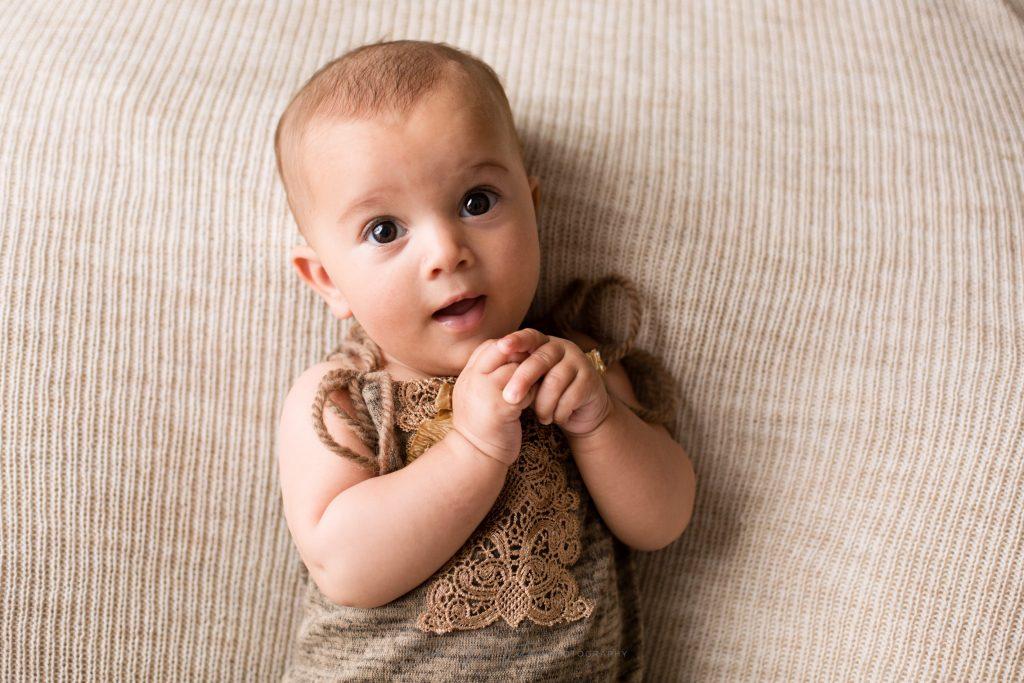 fotografo bambina 4 mesi