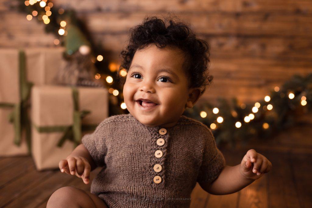 bambino sorride fotografia a tema natale