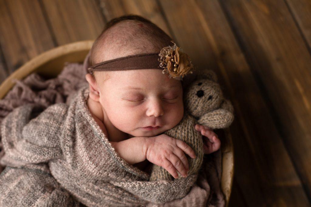 neonata stringe orsetto