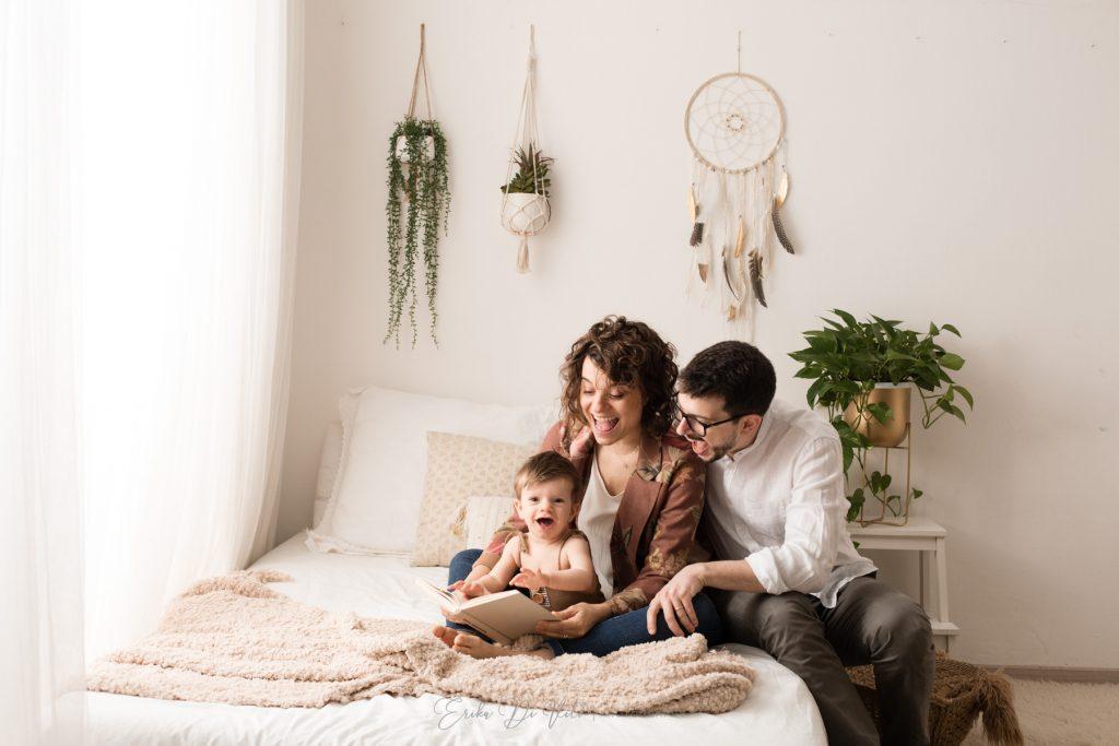 ritratto di famiglia e bambino in studio a milano