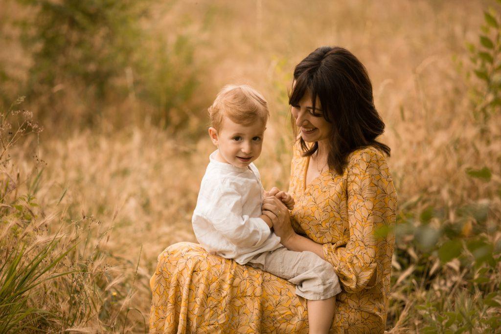 mamma e figlio al parco