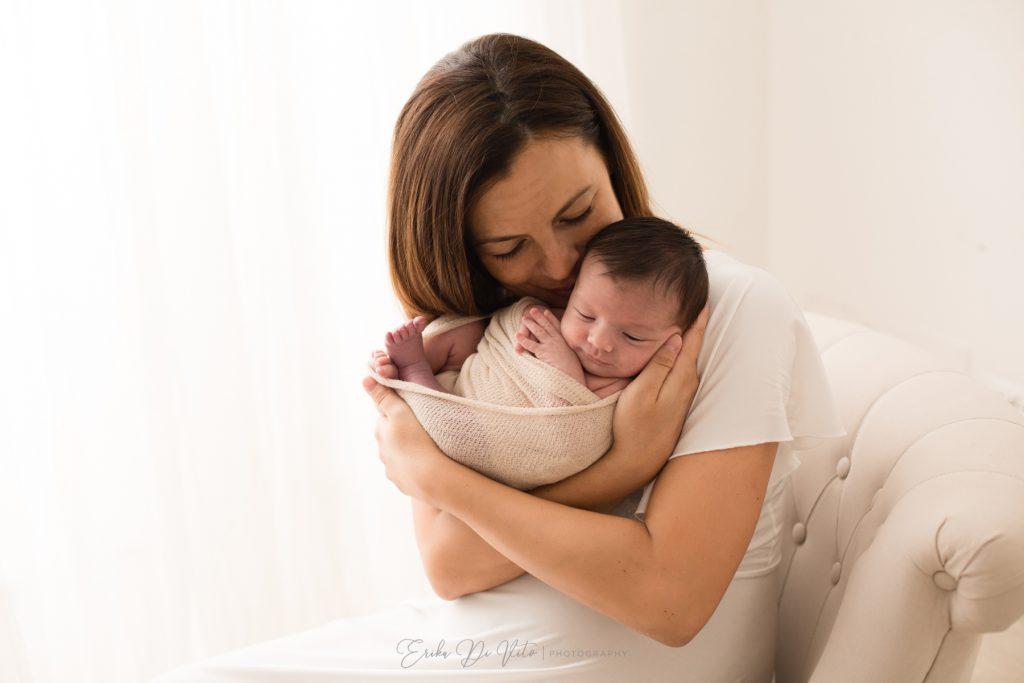 studio fotografico realizza ritratti di mamma e figlio