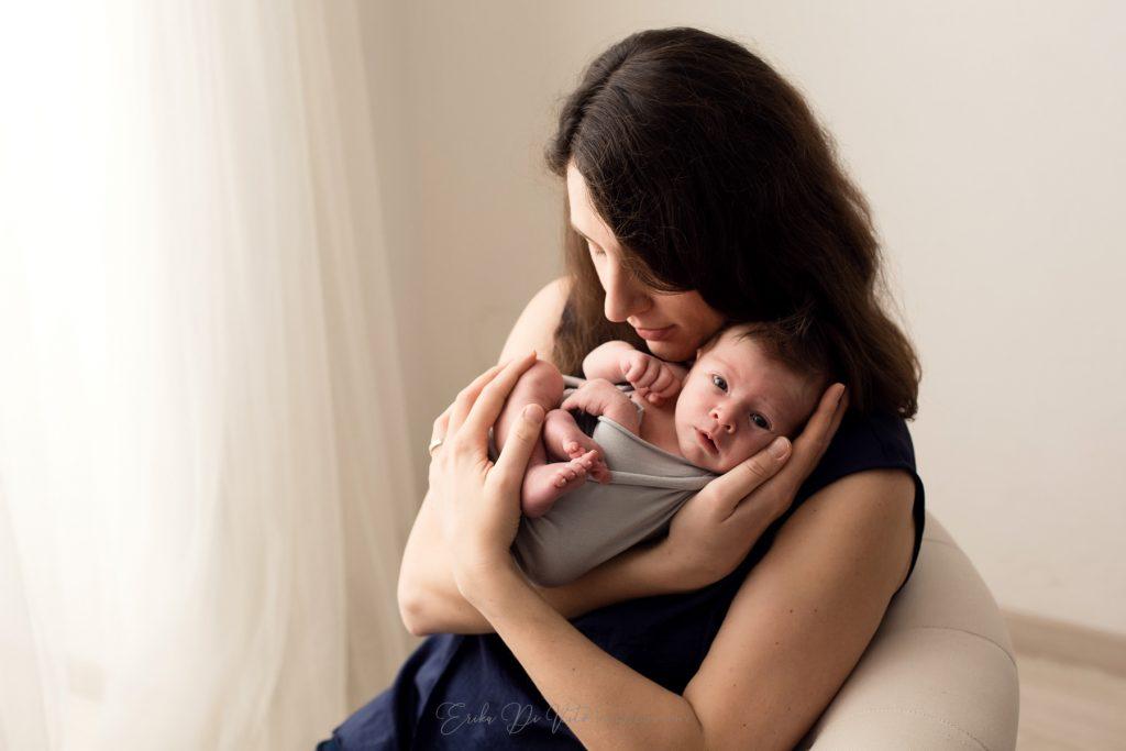 mamma con neonato amore