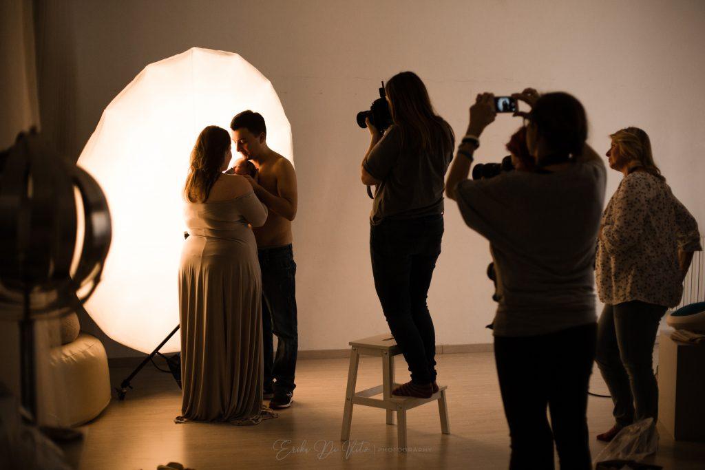 studiare la fotografia di fotografo neonati e famiglia