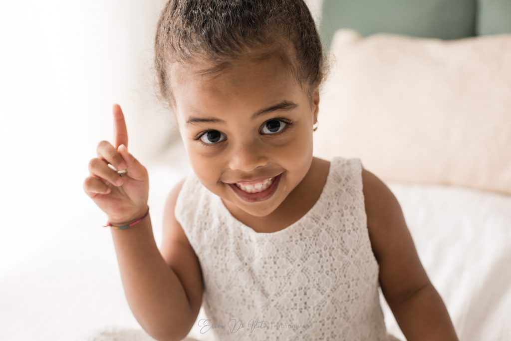 studio fotografico specializzato in ritratto di bambini ritratto di bambina natale