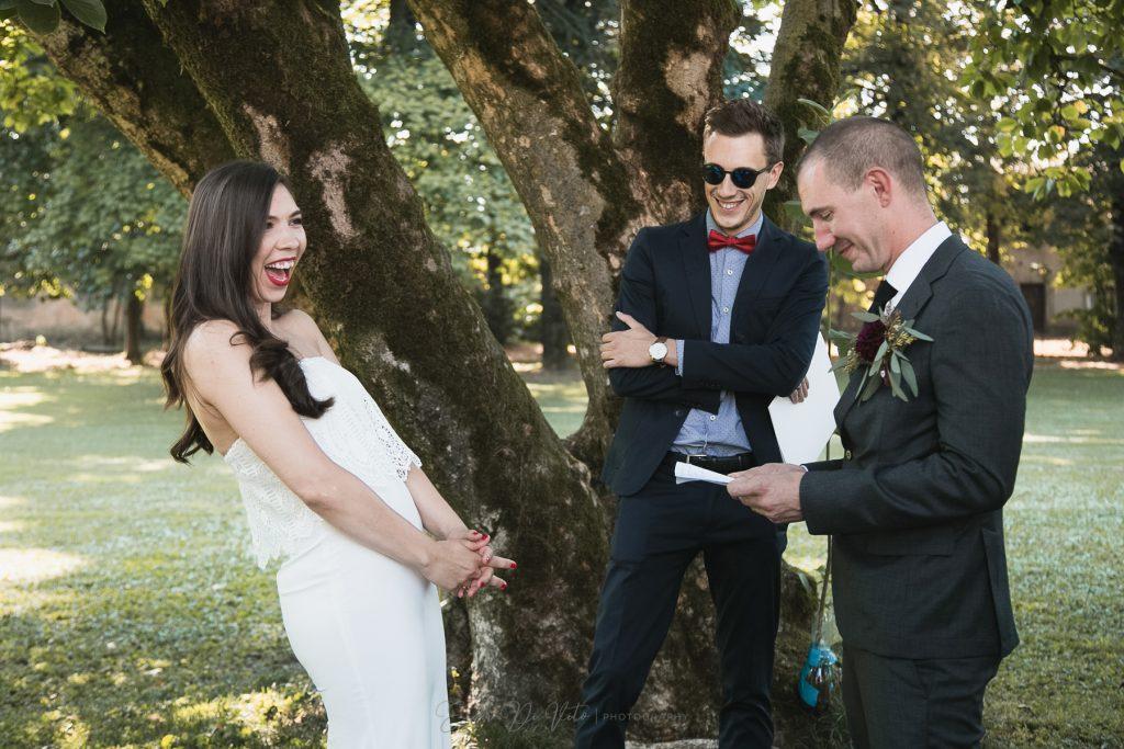 sposa ride cerimonia giardino